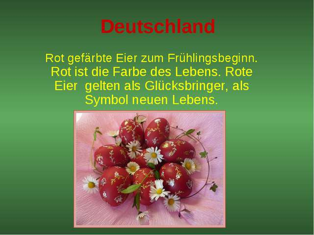 Deutschland Rot gefärbte Eier zum Frühlingsbeginn. Rot ist die Farbe des Lebe...