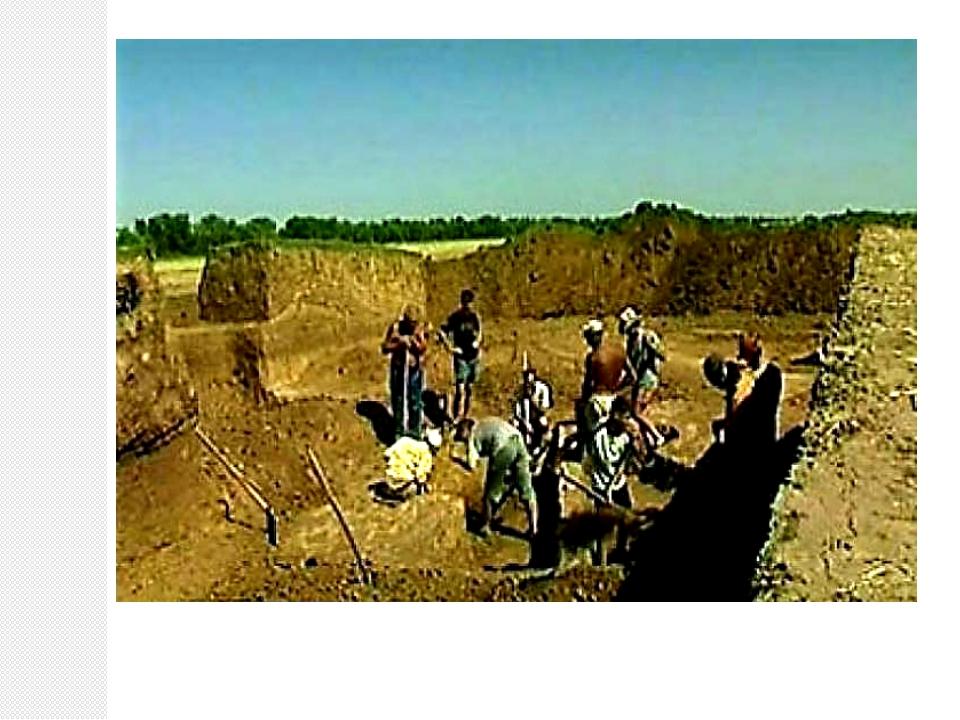 Многочисленные археологические исследования в окрестностях нынешнего города...