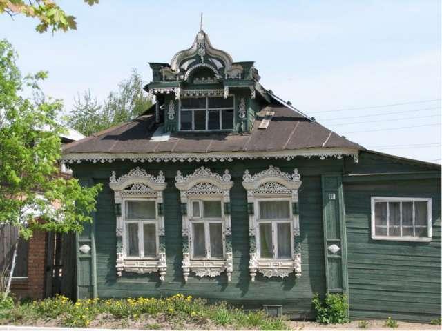 Во все времена объемную резьбу народные мастера применяли для украшения жилищ...